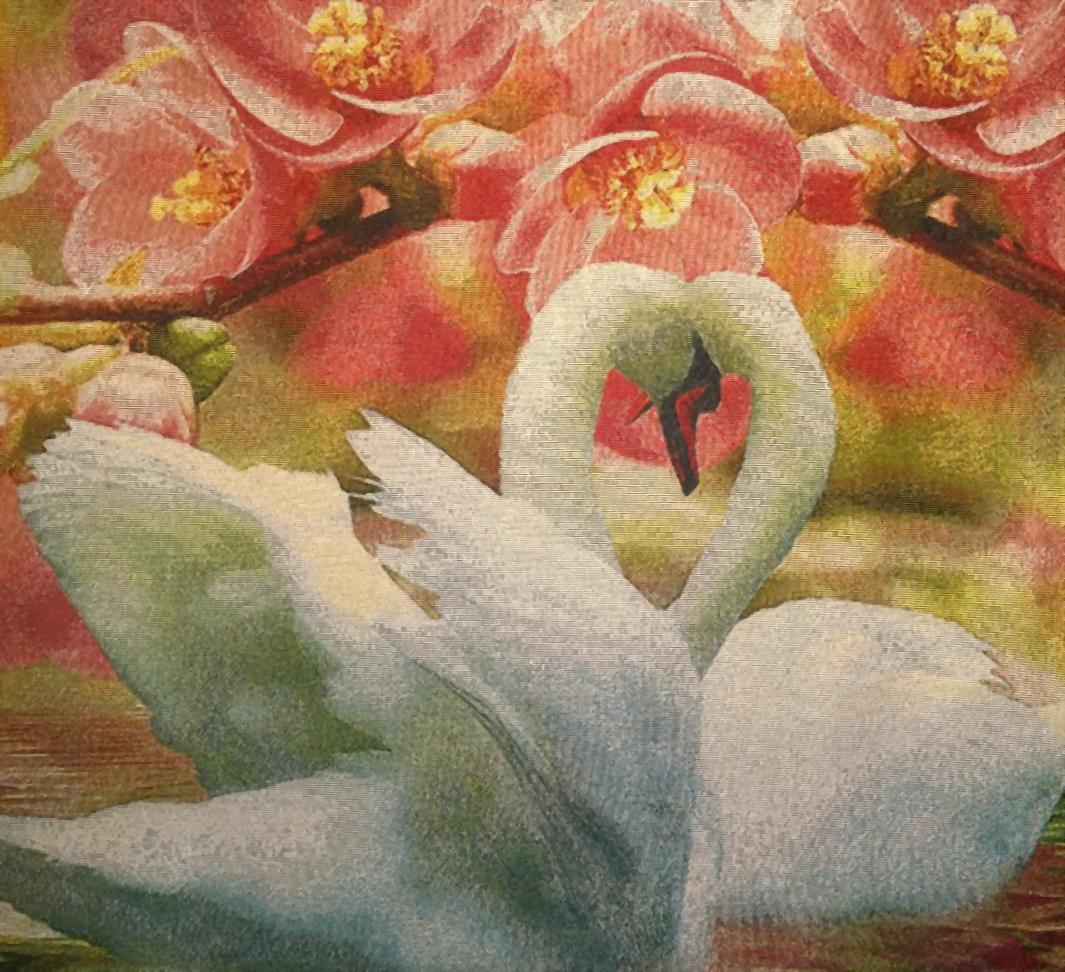 Гобелен белые лебеди