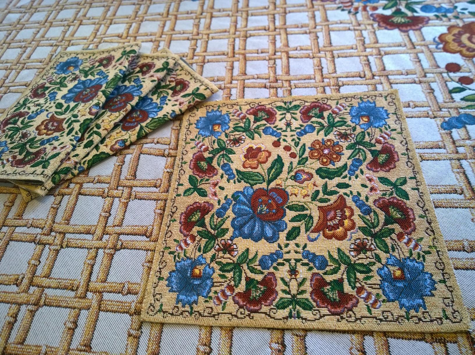 Швейная продукция, скатерти, календари