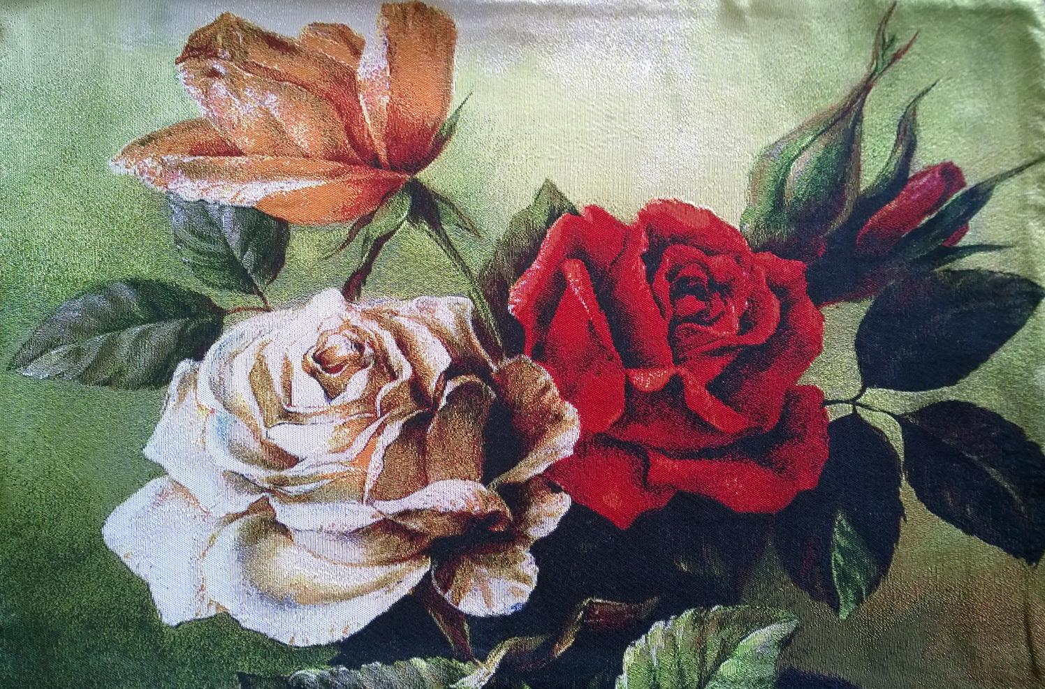 Купить гобеленовую наволочку розы