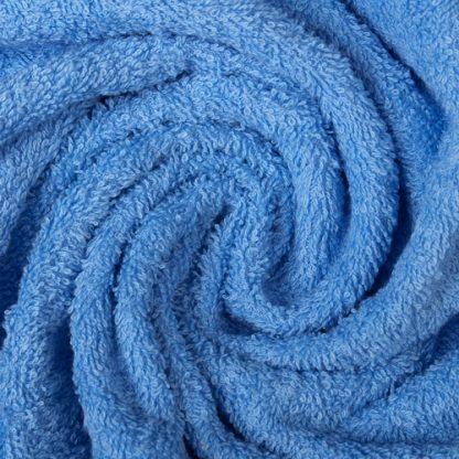 голубое махровое полотенце